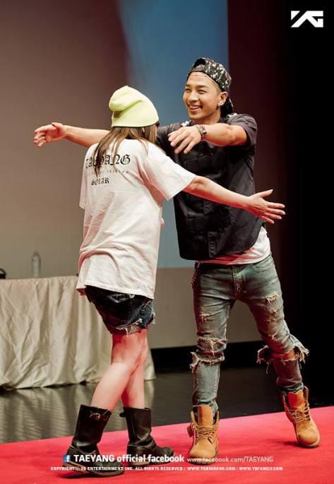 Fan Hug Seoul3